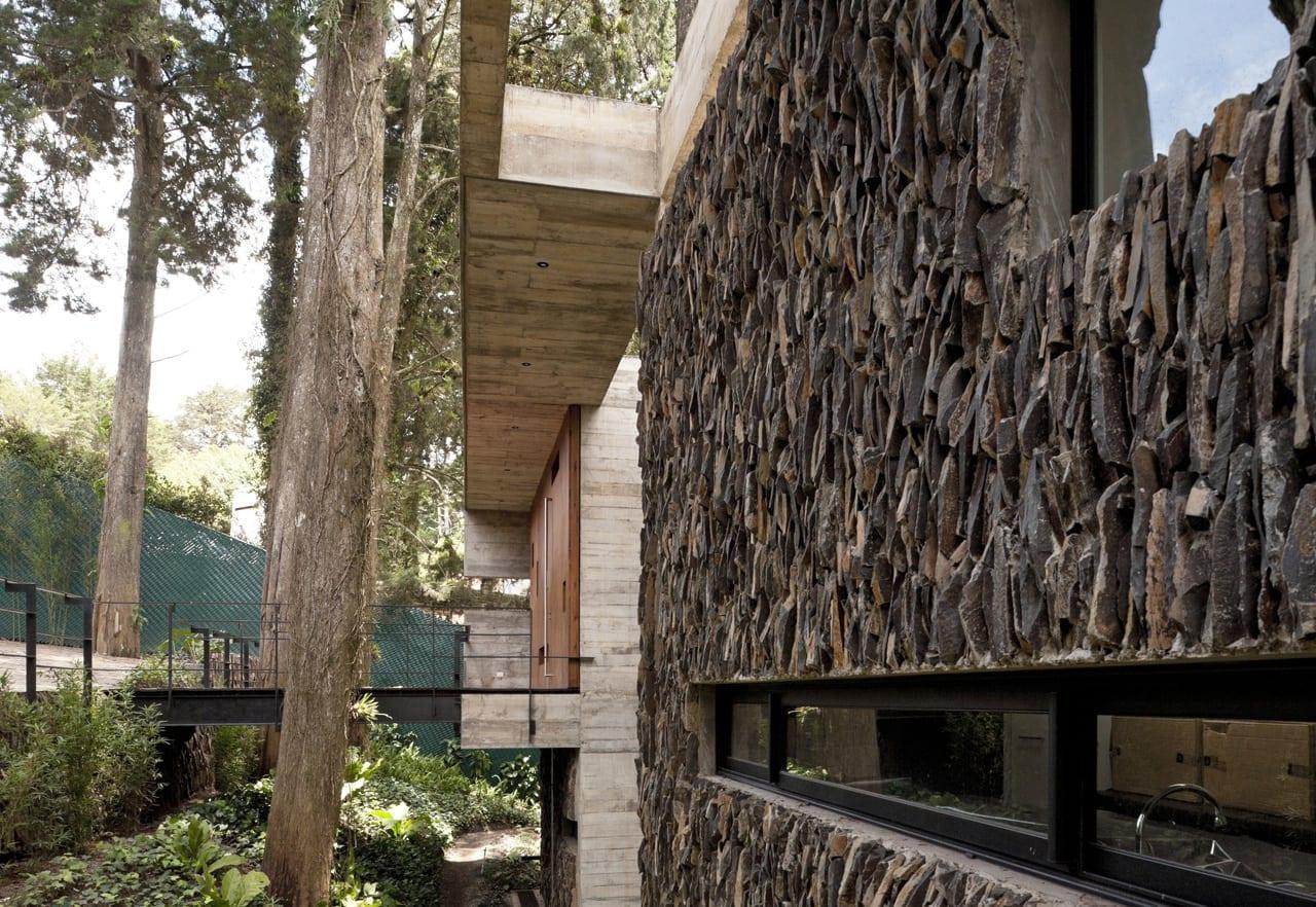 1333634558 1332255611 45 - Corallo House - Casa din copac… sau copacul din casă
