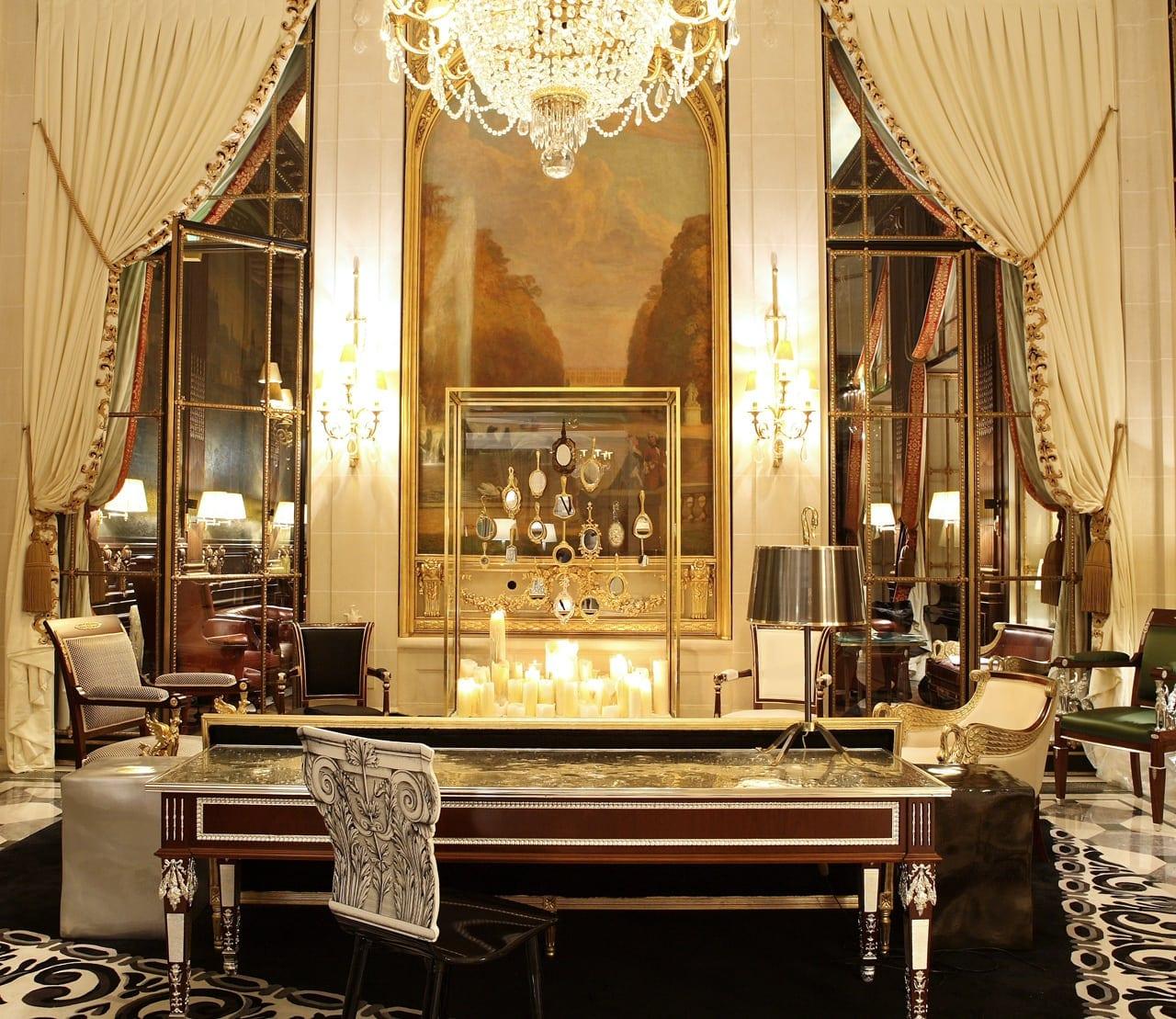 H6380 27275589 5 Lobby - Le Meurice, Paris - Romantism, opulență și lux