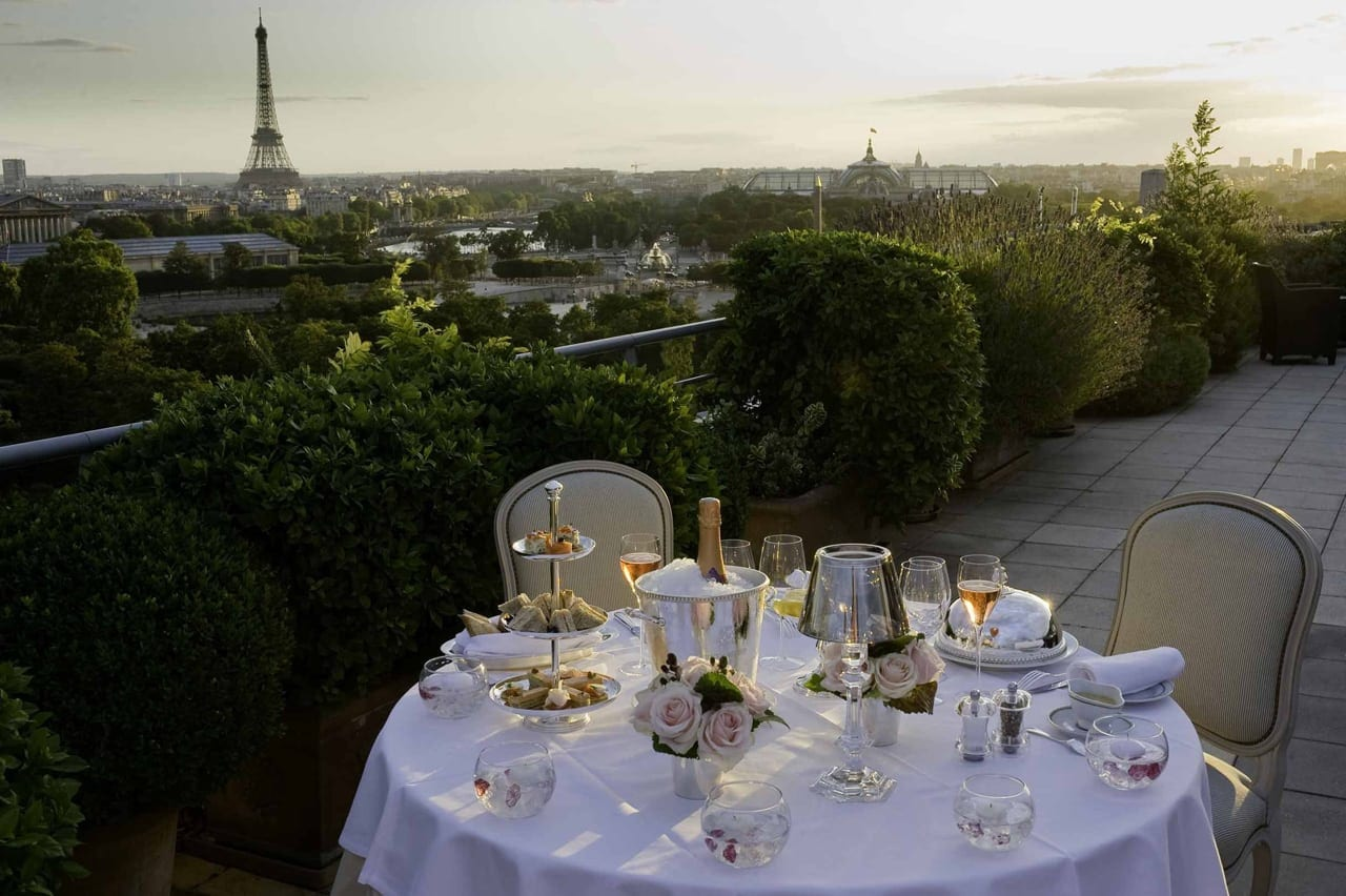 H6380 27275693 diner romantique Guillaume de Laubier - Le Meurice, Paris - Romantism, opulență și lux