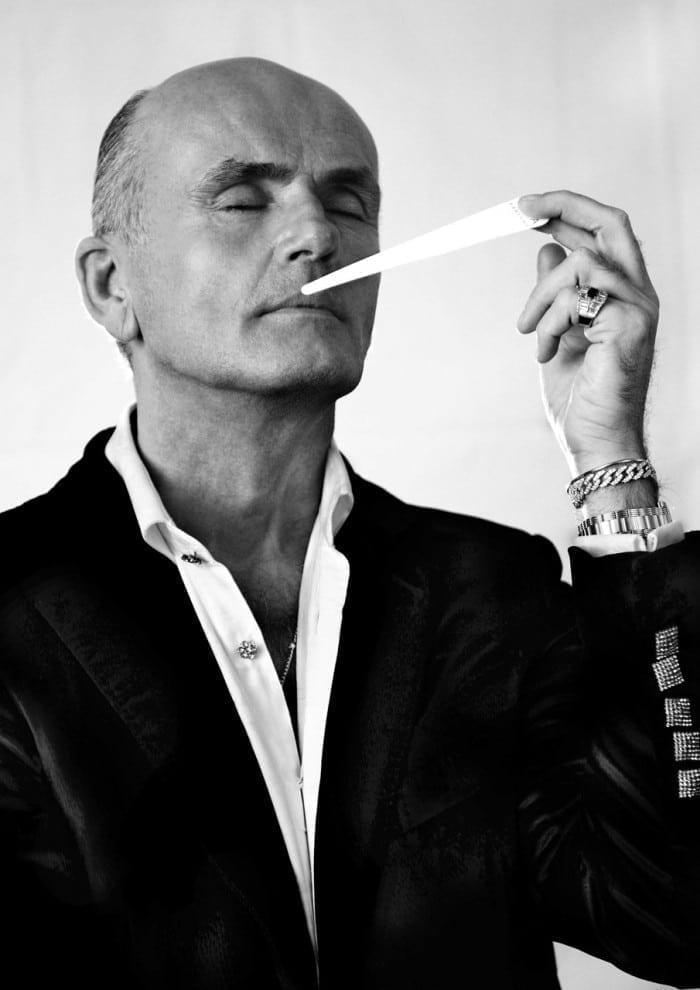 Portrait 08 700x990 - Roja Dove - Și lumea parfumurilor nu a mai fost la fel