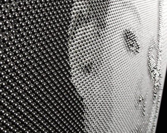Portret de milioane de dolari, realizat din mii de sfere Platinum!