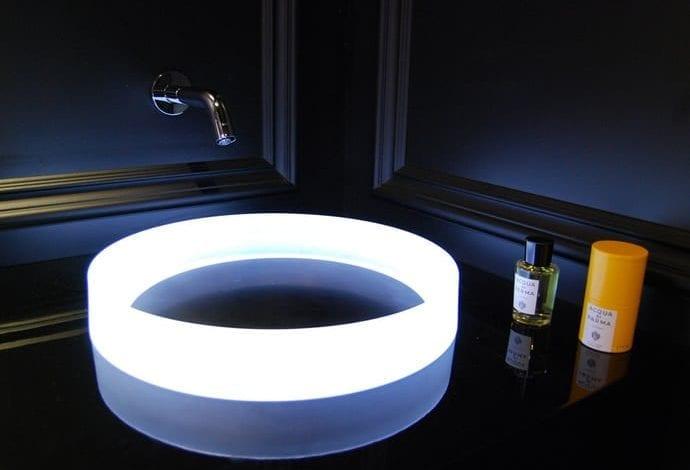 """Chiuveta ultra-futuristă Toto îți va """"aprinde"""" baia"""