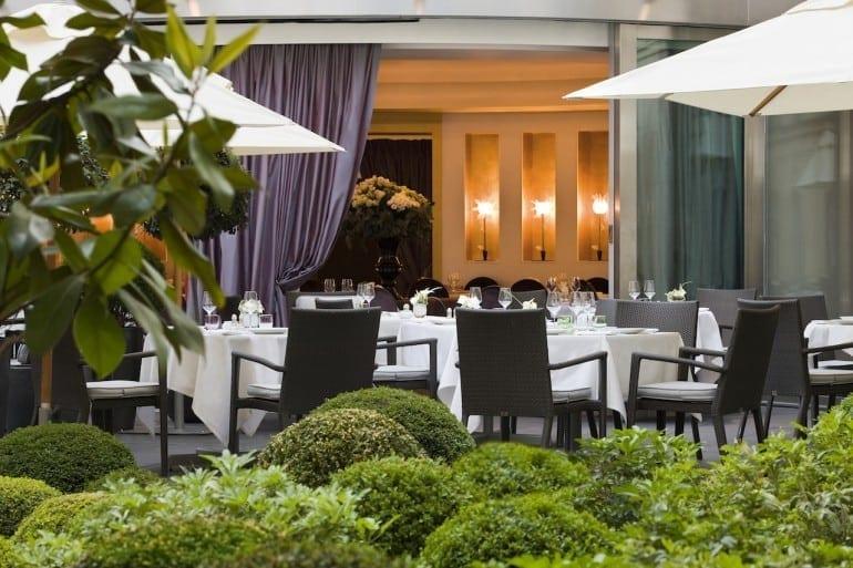 Hôtel Fouquets Barrière Le Diane restaurant HD 9 770x513 - Fouquet's Barriere Paris - Excelență în cultura pariziană
