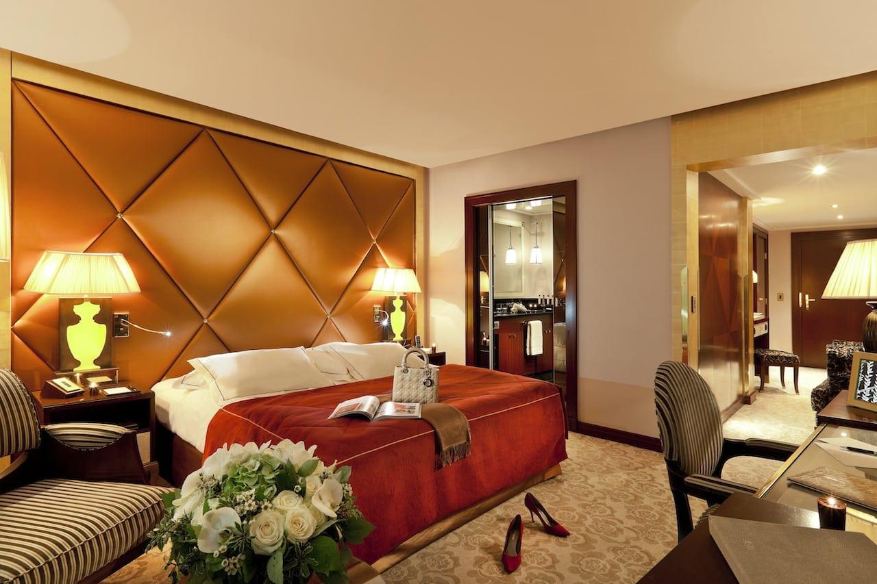 Hôtel Fouquet's Barrière Superior room HD 3