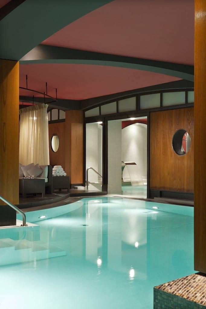 Hôtel Fouquets Barrière U Spa swimming pool HD 5 - Fouquet's Barriere Paris - Excelență în cultura pariziană