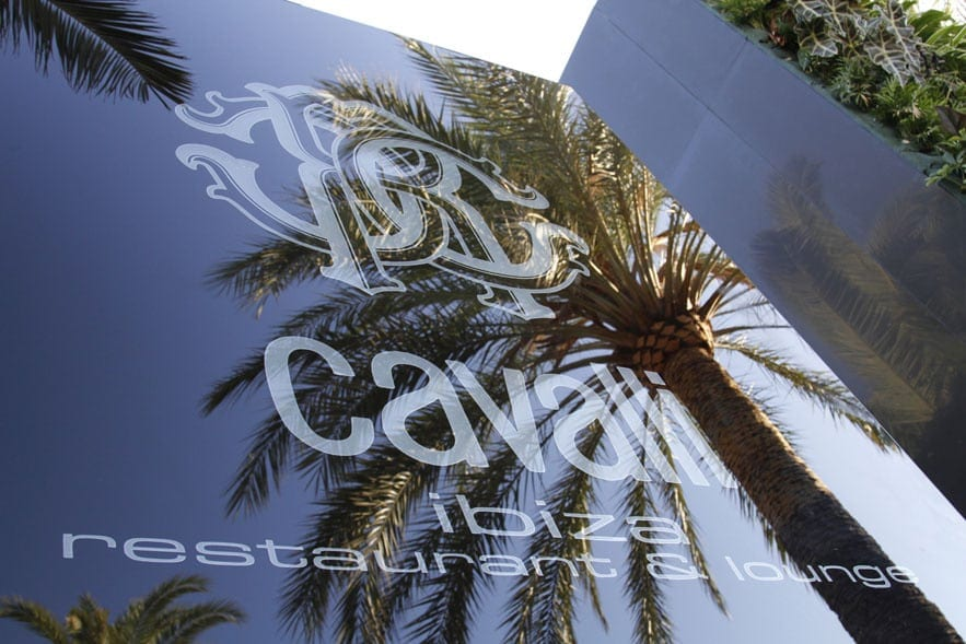 Roberto Cavalli Facade Ibiza le cavalli restaurant - Roberto Cavalli deschide un nou restaurant: Cavalli Ibiza