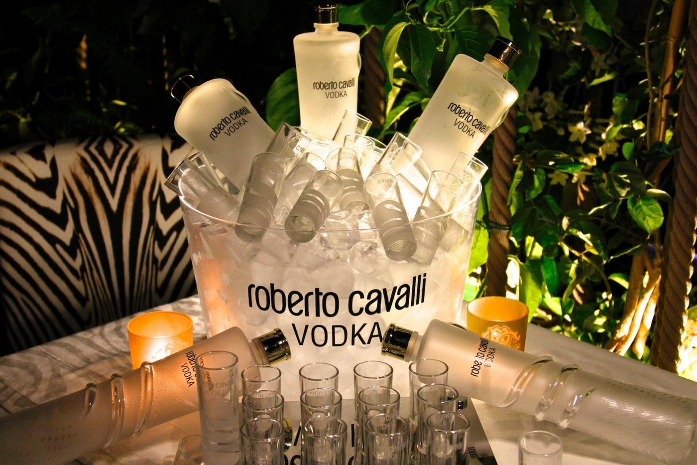 Roberto-Cavalli-Table-Ibiza-le-cavalli-restaurant
