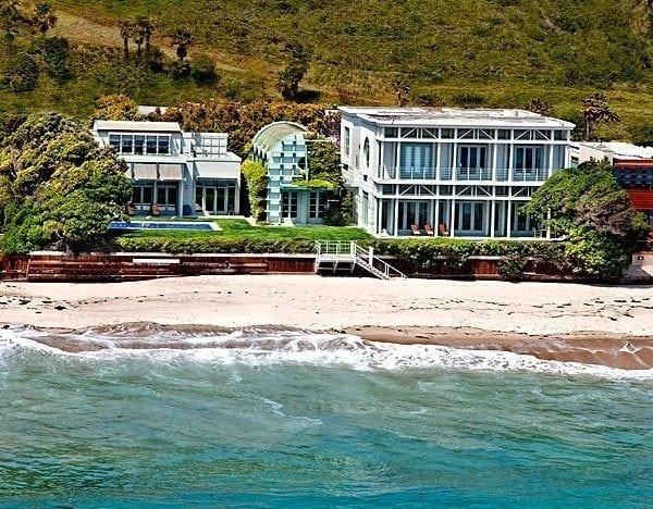 malibu1 - Vila lui Jim Carrey scoasă la vânzare pentru aproape 14 milioane de euro