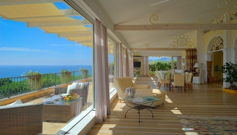 room ForteVillage Royal Suite 2 770x439 - Forte Village Resort Sardinia