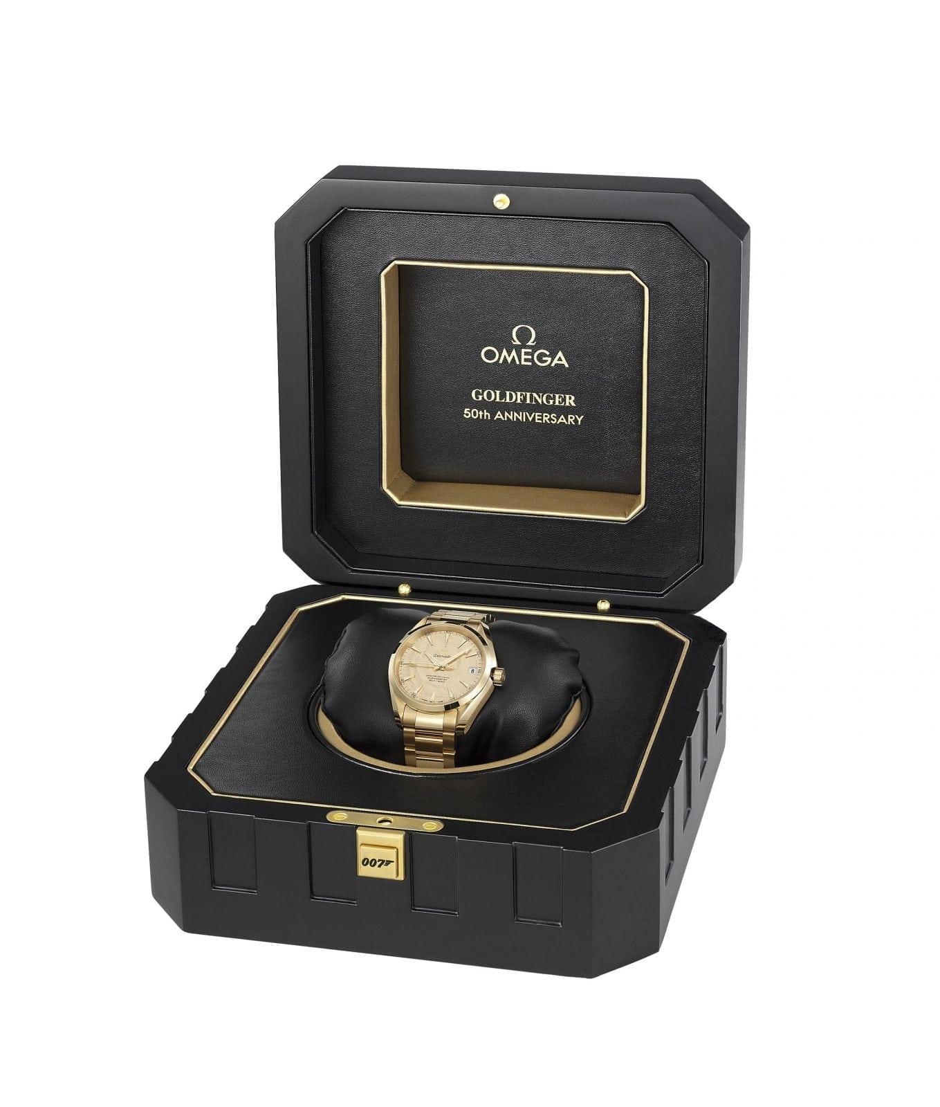 Omega Goldfinger Seamaster Aqua Terra wristwatch - Aston Martin DB5, unicatul automobil din aur este pus la licitație