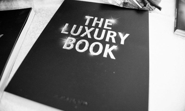 THE LUXURY BOOK – primul manual al luxului din România