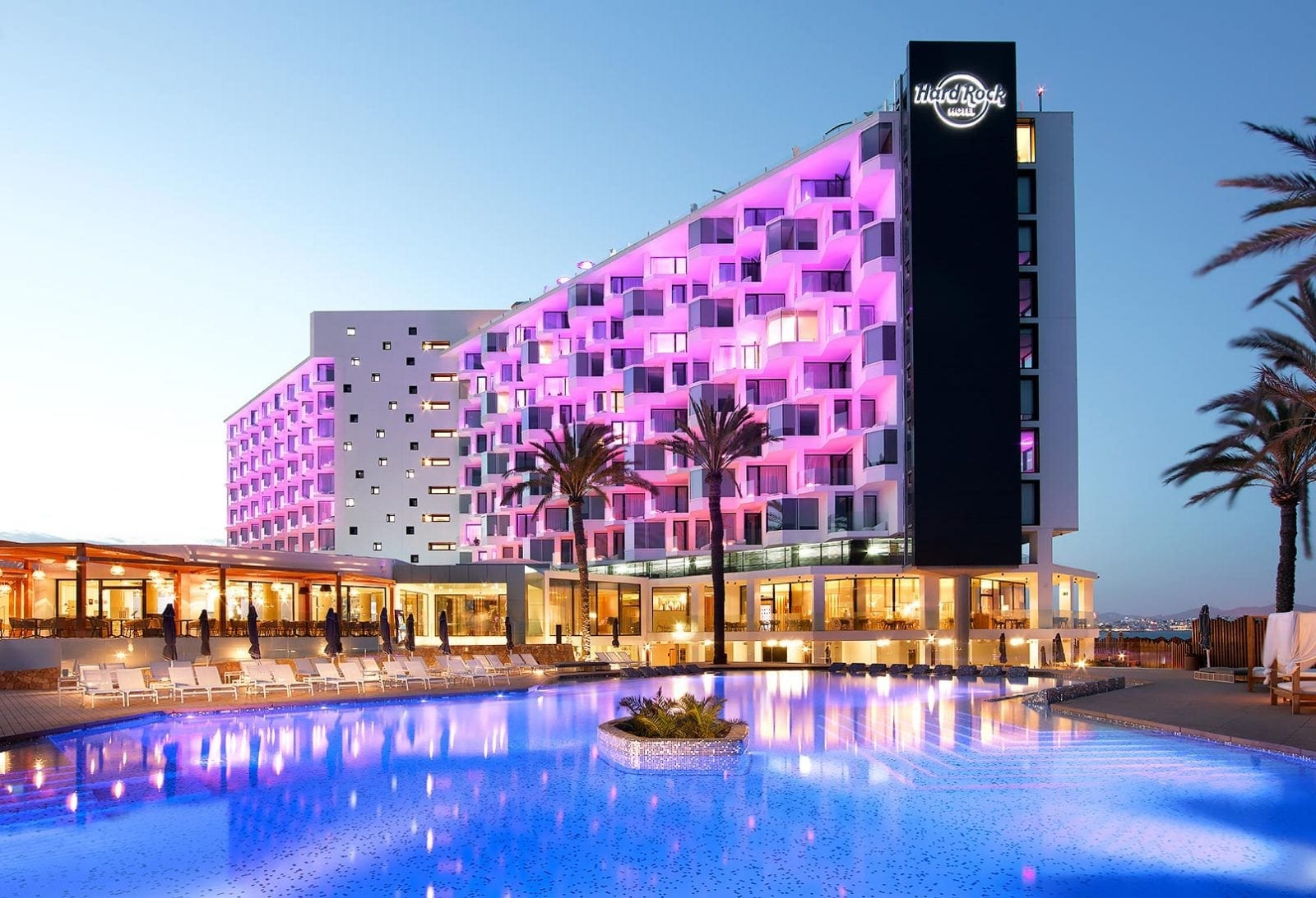 Eden Pool night - Hard Rock Ibiza - Vacanța europeană în ritm american hard rock