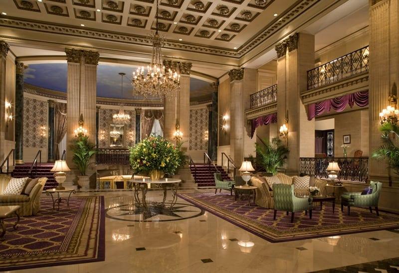 Roosevelt Hotel lobby - Hotelul The Roosevelt din New York celebrează 90 de ani