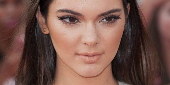 Kendal Jenner, noua imagine Estée Lauder