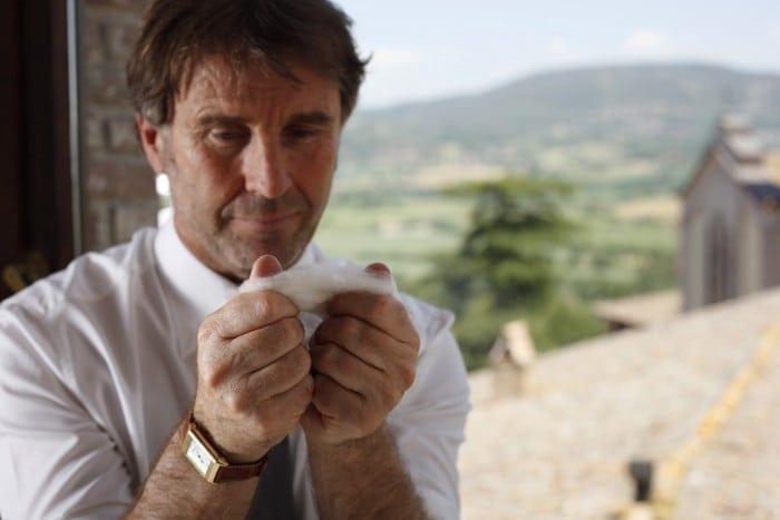Brunello Cucinelli 700x467 - Brunello Cucinelli – Celebrând tezaurul cașmirului
