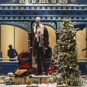 DSC94342 170x170 - Crăciunul, o călătorie magică cu Burberry şi Printemps