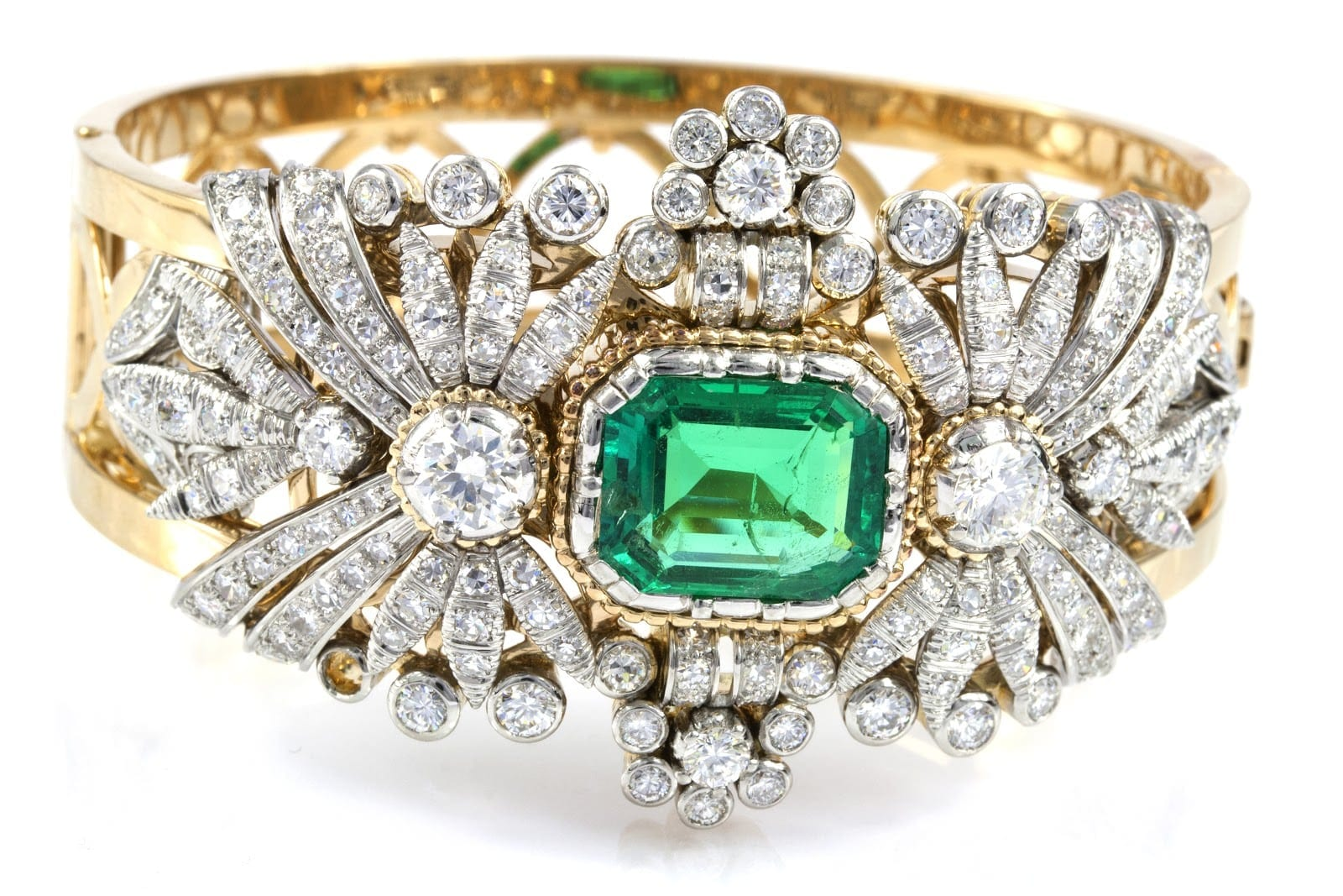 EMERALD_DIAMOND_CUFF
