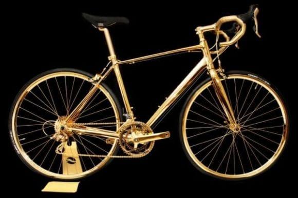 Bicicleta placată cu aur de 24 de carate
