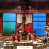 le train 170x170 - Crăciunul, o călătorie magică cu Burberry şi Printemps
