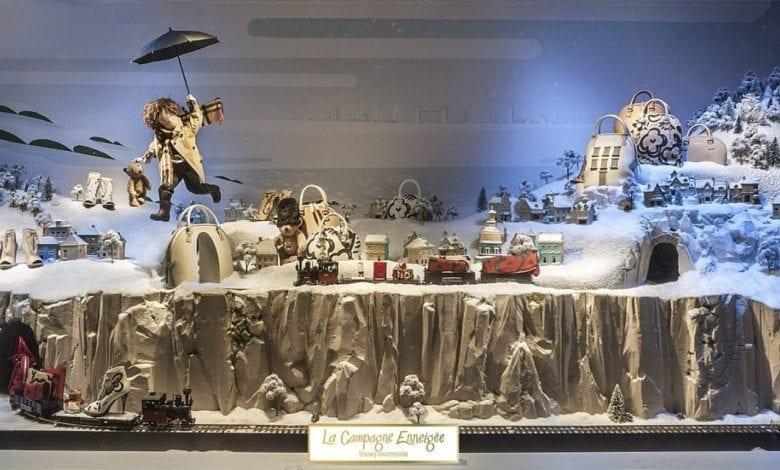 Crăciunul, o călătorie magică cu Burberry şi Printemps
