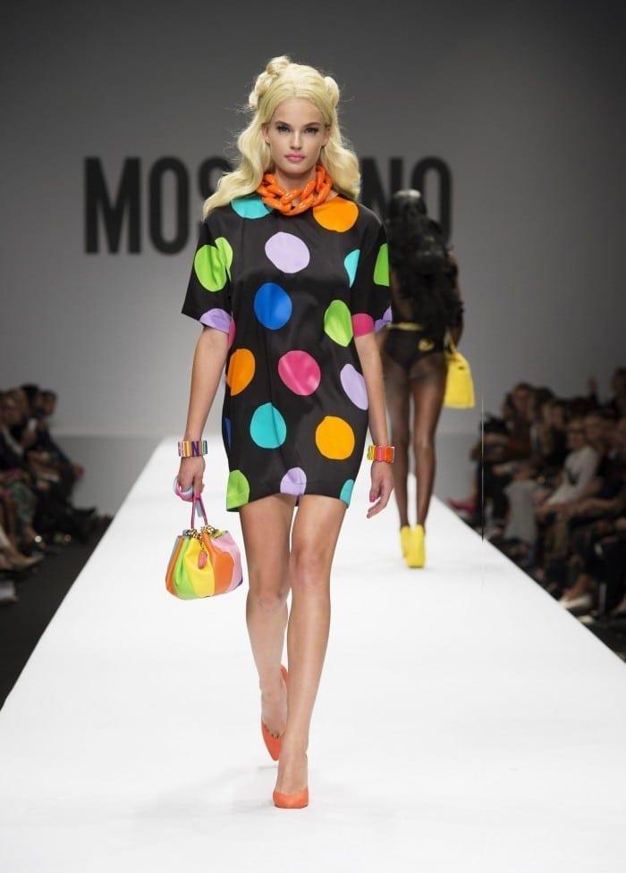 30 700x977 - Barbie și Jeremy Scott pentru Moschino - Odă adusă primei maestre a modei