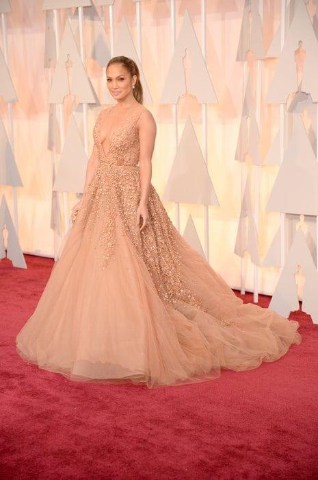 jennifer - Cele mai spectaculoase ținute de la Oscar