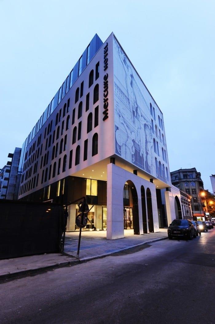Mercure Bucharest City Center Facade2 700x1052 - S-a deschis primul hotel Mercure din România