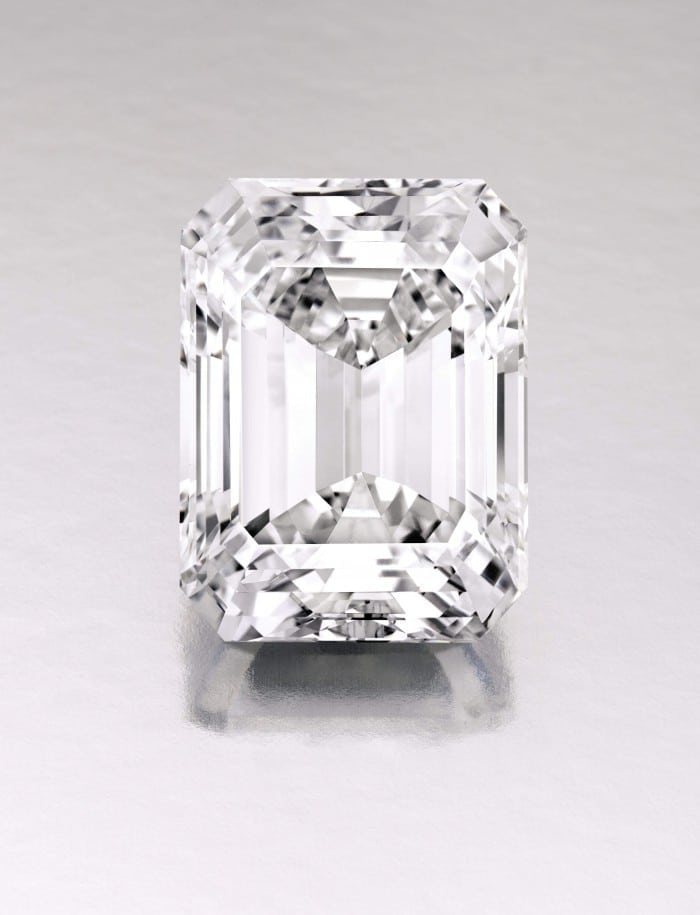 Diamantul perfect: 100 carate / 22,2 milioane de euro