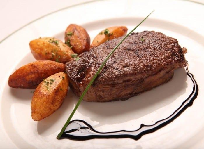 Met Ohmi Tenderloin 700x510 - Ohmi beef – Delicatesa imperială