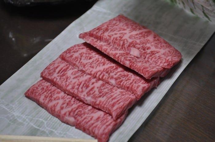Sliced Matsusaka wagyu beef 700x465 - Ohmi beef – Delicatesa imperială