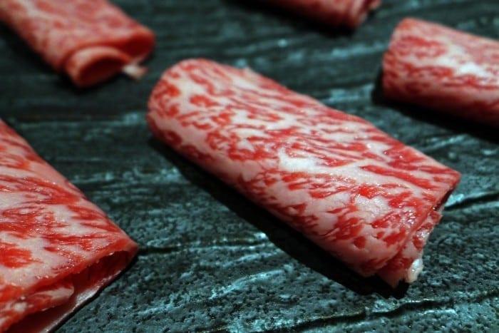 p1110105 700x467 - Ohmi beef – Delicatesa imperială