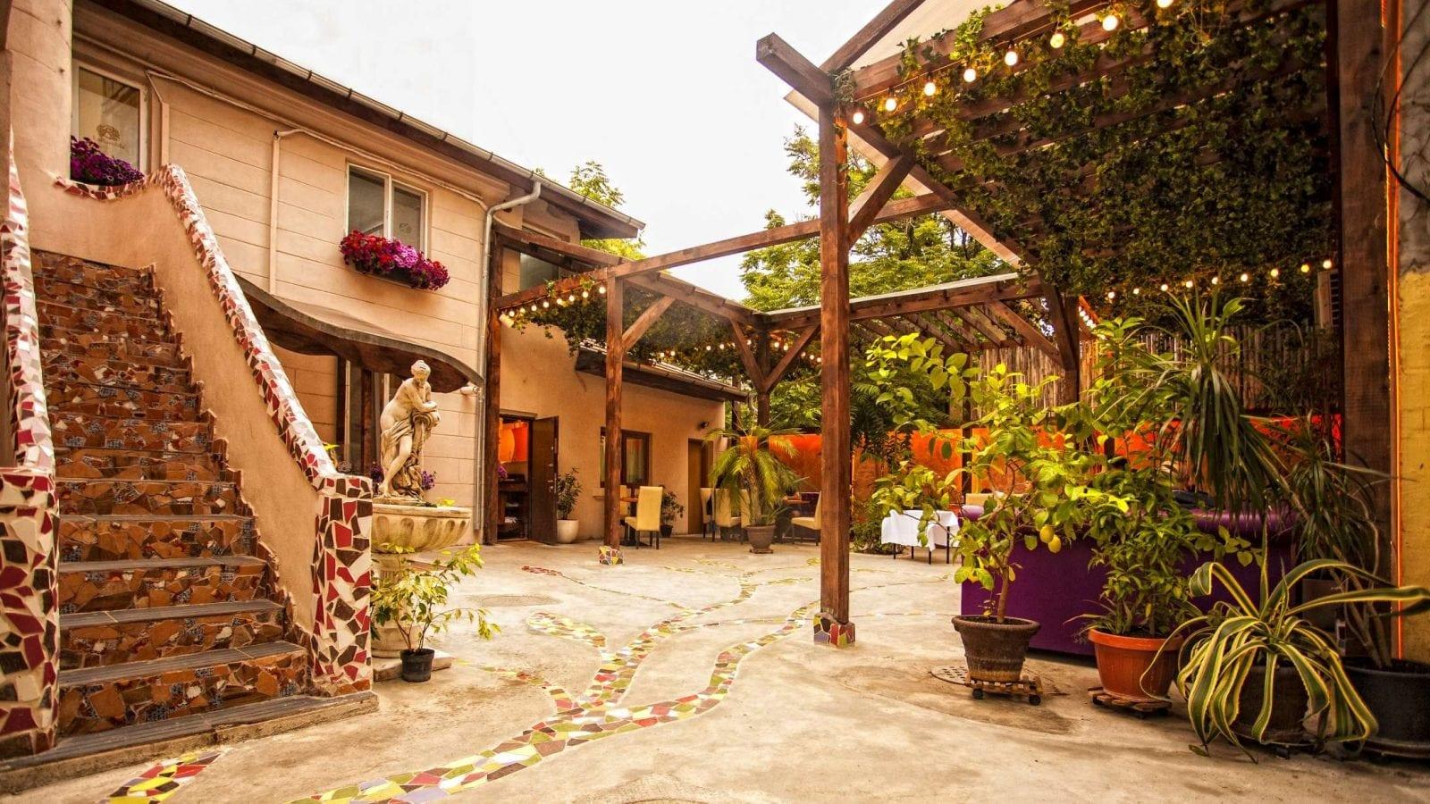 gradina - Delicii culinare la Grădina de vară La Rambla