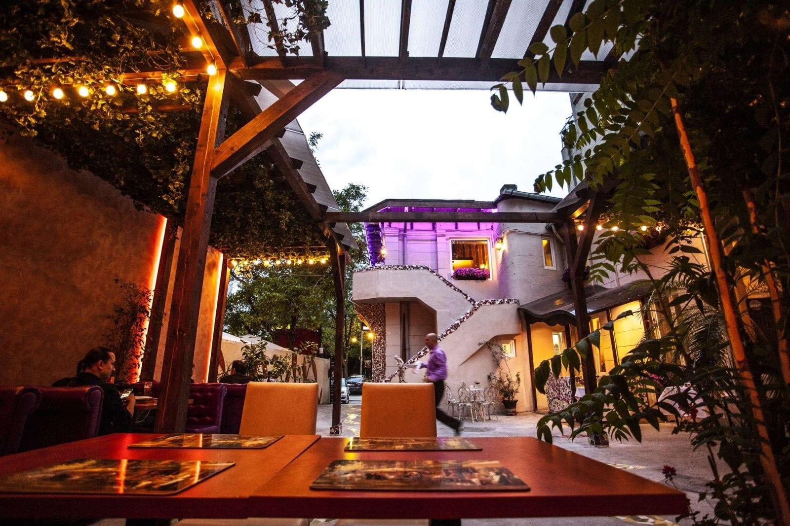 Delicii culinare la Grădina de vară La Rambla