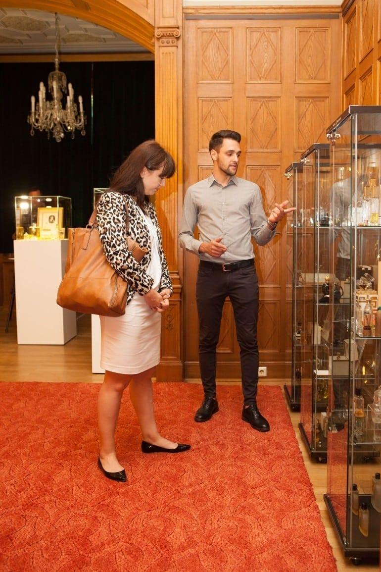 """IMG 9054 770x1155 - """"Istorie cu Parfum"""" – cea mai mare expoziţie de sticle de parfum din România"""