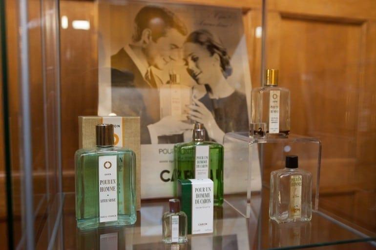 """IMG 9330 770x513 - """"Istorie cu Parfum"""" – cea mai mare expoziţie de sticle de parfum din România"""