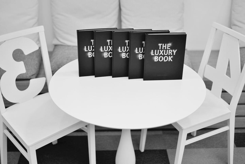 DSC0557 - THE LUXURY BOOK – primul manual din România despre industria luxului