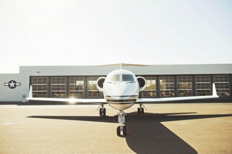 21 770x514 - Gulfstream - Singur deasupra norilor