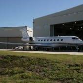 G650 Hangar Doors 170x170 - Gulfstream - Singur deasupra norilor