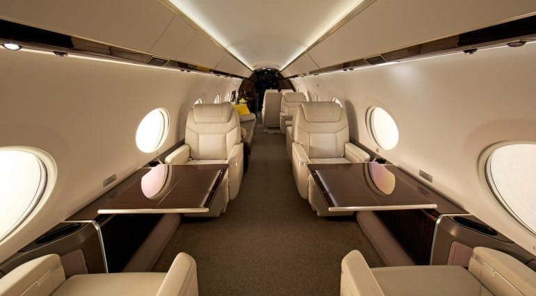 Private Jet Interior Gulfstream 10 770x426 - Gulfstream - Singur deasupra norilor
