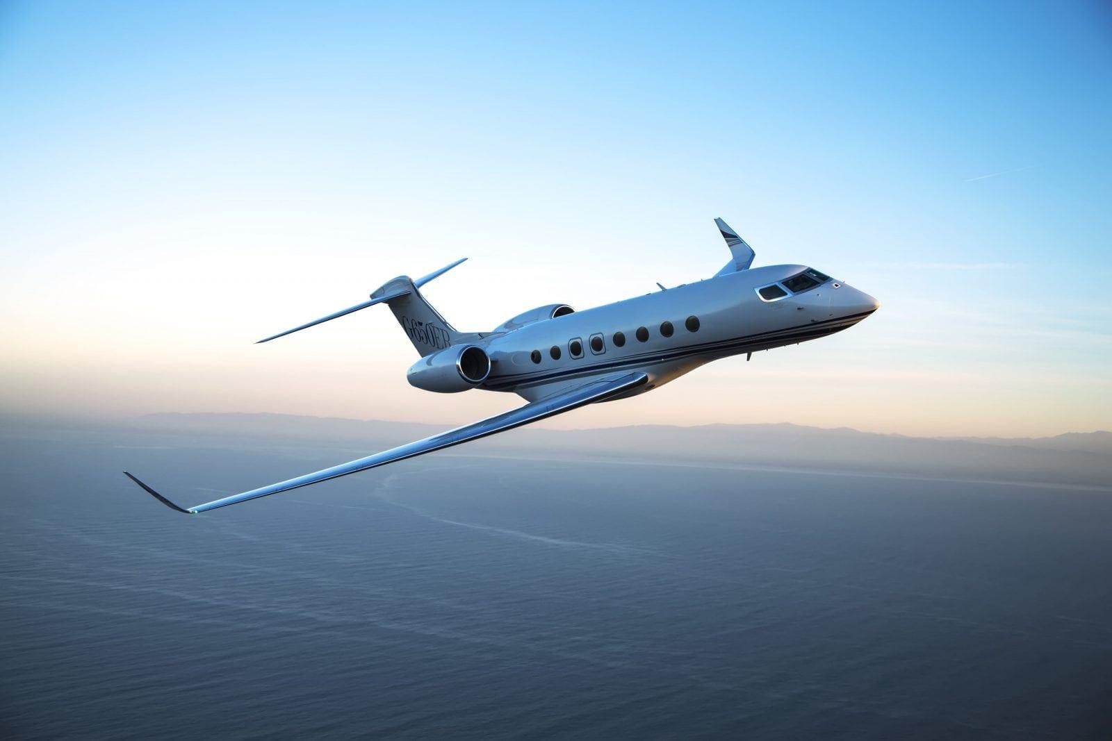 d g650ER a media 003 - Gulfstream - Singur deasupra norilor