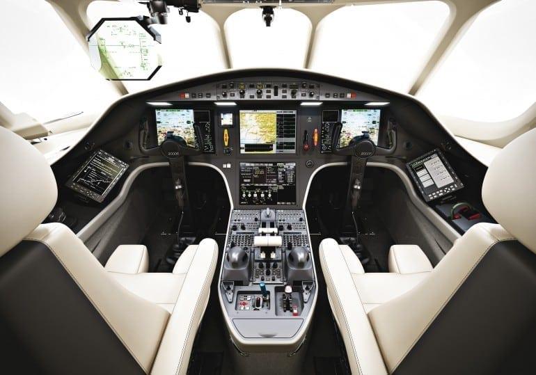 031_Falcon2000S_2011-05