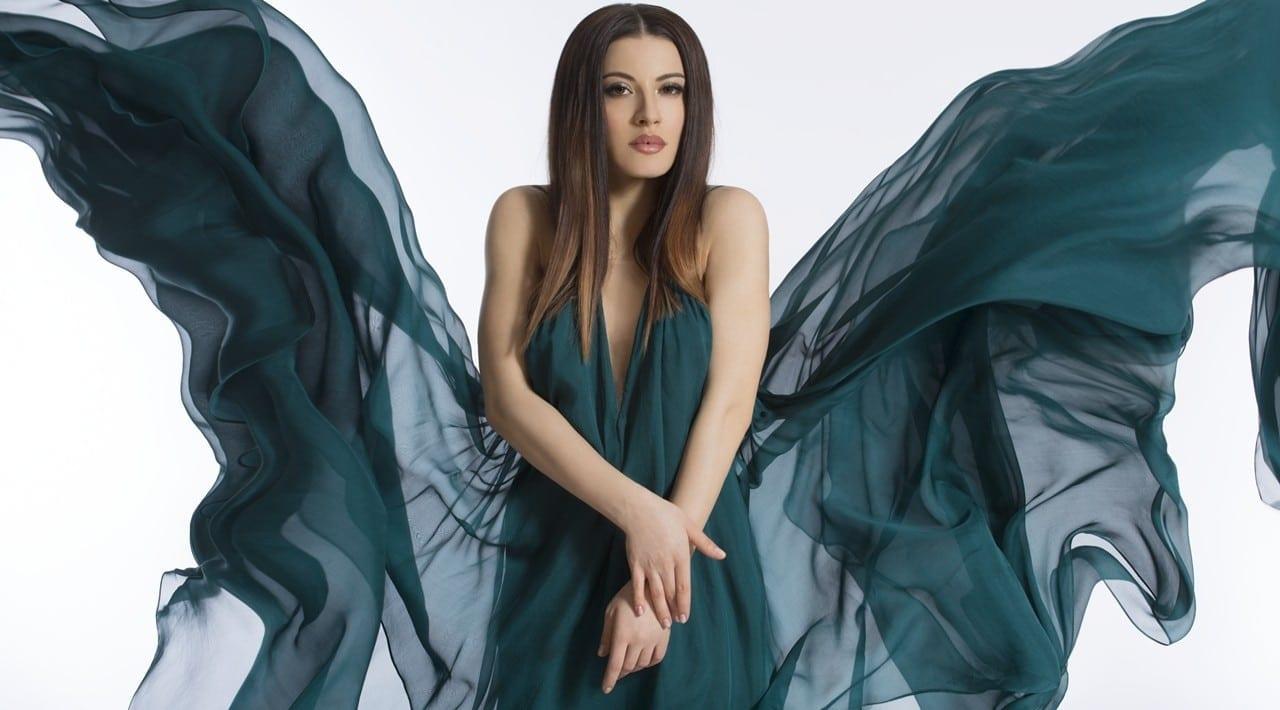 3 e1460728919222 - Nicoleta Nucă  - Sinonimul feminității în industria muzicală românească