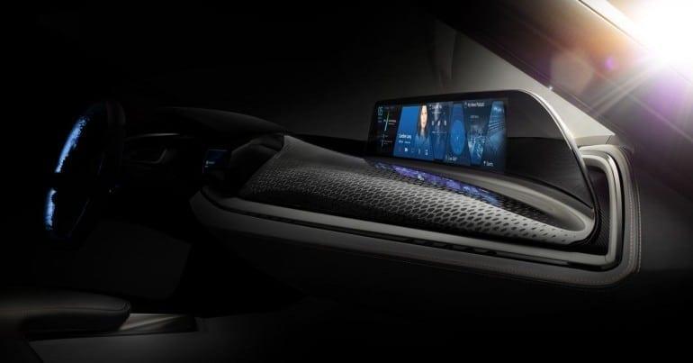 P90206946 highRes bmw group ces 2016 .0.0 e1460982046705 770x403 - Noua tehnologie BMW vă transformă mașina într-un touchscreen uriaș