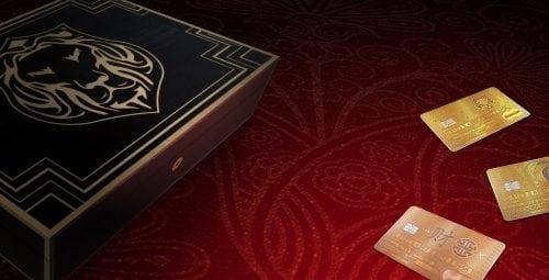 Aurae prezintă primul MasterCard din aur