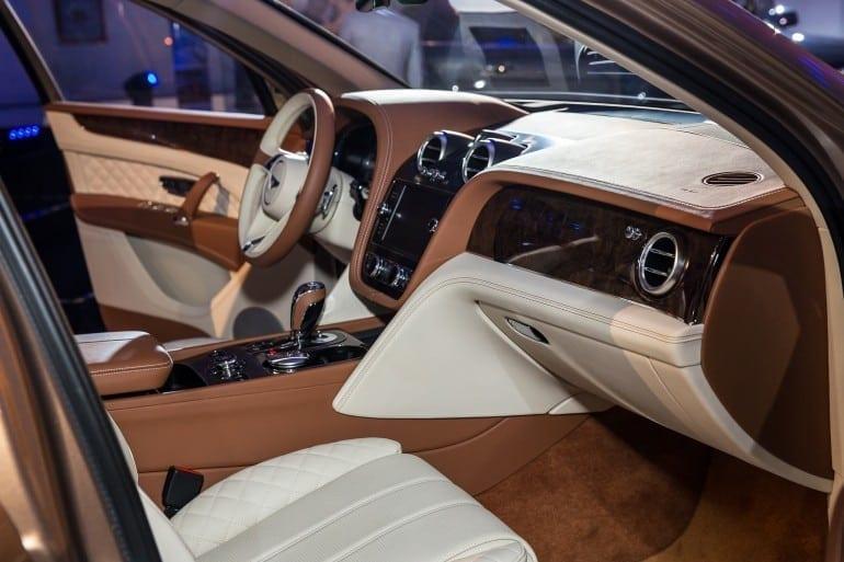 Interior BentleyBentayga 770x513 - Bentley Bentayga – Momentul zero în România