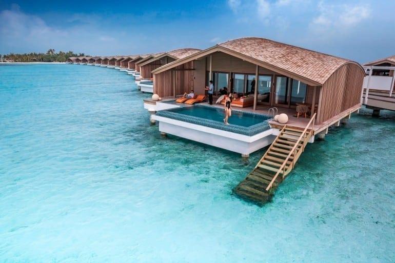 Finolhu Villas 4 770x513 - Paradisul redefinit: Vilele Finolhu – primul resort de lux din lume alimentat cu energie solară.