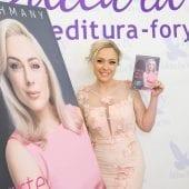 """carte giulia nahmany7 170x170 - Giulia Nahmany a lansat cartea """"Merg mai departe - mai puternică, mai sănătoasă, mai fericită"""""""
