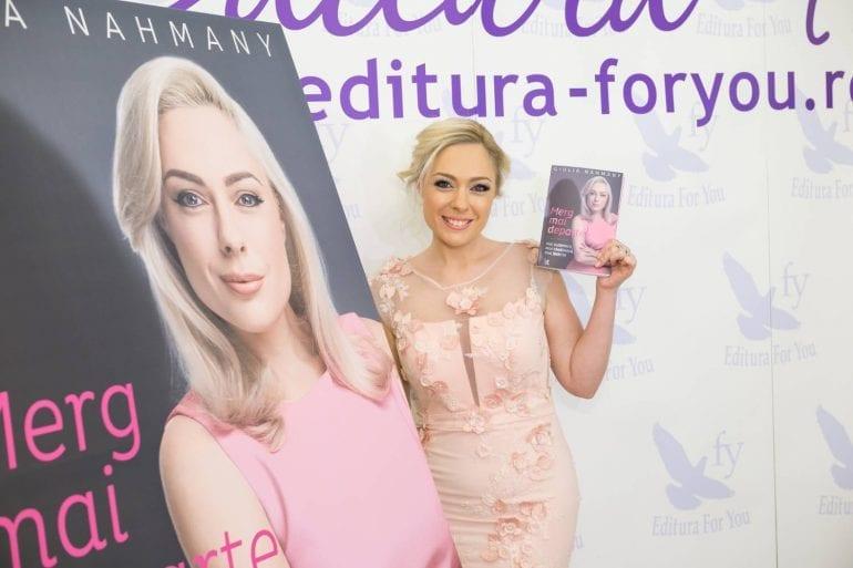 """carte giulia nahmany7 770x513 - Giulia Nahmany a lansat cartea """"Merg mai departe - mai puternică, mai sănătoasă, mai fericită"""""""