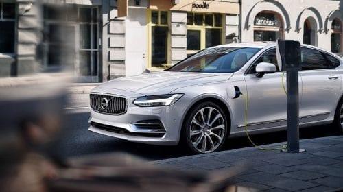 Volvo S90 – Pentru cei care iubesc condusul și care iubesc să se lase conduși