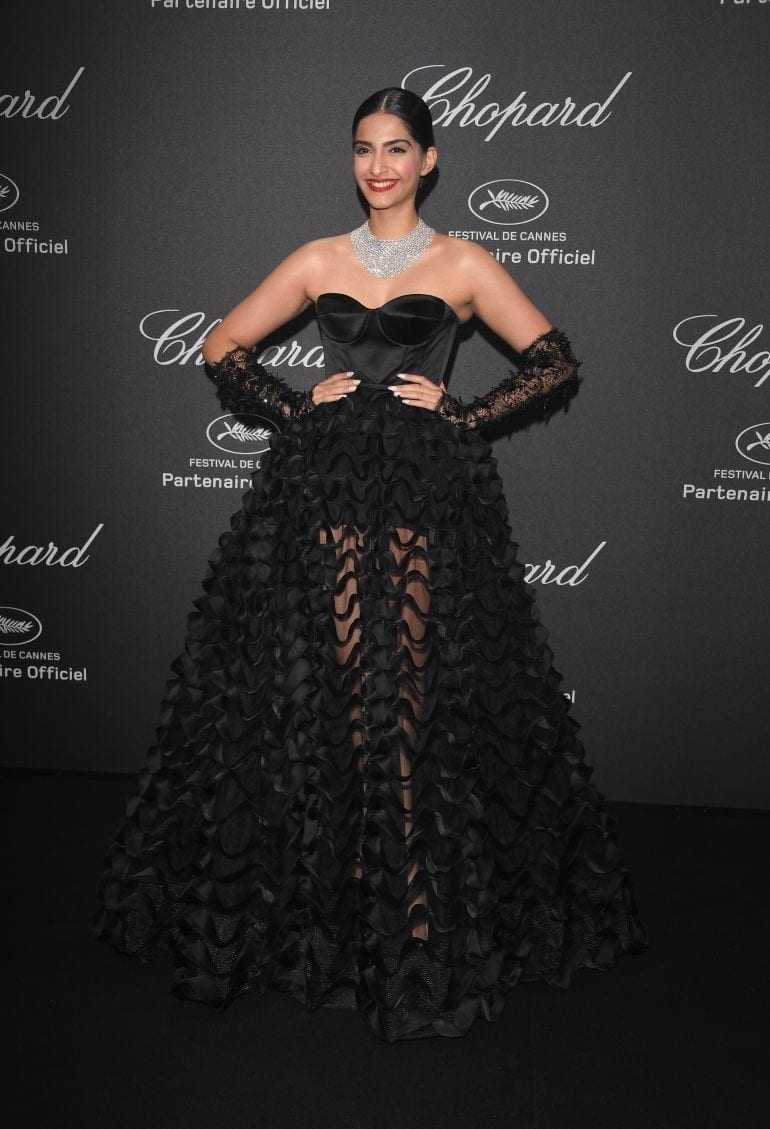 Sonam Kapoor in Chopard 8913 770x1129 - Chopard WILD Party, cu Diana Ross și Mark Ronson